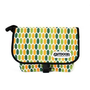 OUTDOOR(アウトドア) 12439253-20 ハニカムメッセンジャーバッグの詳細を見る
