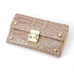 LANEVE(ランイヴ) クロコ型押し財布 LE-5006 グレー
