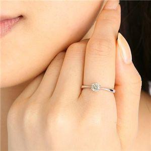 K18WGアイスカナリアダイヤモンド0.45ctリング 7号を着けたイメージ写真