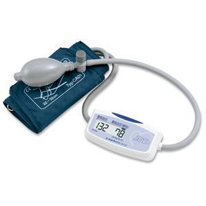 手のひらサイズの本格派!上腕式血圧計 UA-704の商品画像大
