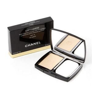 01シャネル/CHANEL SPF10/PA+ (40) マットルミエールコンパクト