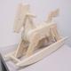 白木の木馬 写真2