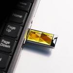 SILICON POWER(シリコンパワー) 防水仕様 Touch 850 USBフラッシュメモリ2GB アンバー SP002BUF2850VIAの詳細ページへ