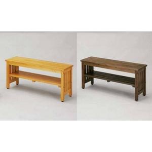 丈夫でしっかりした安定感のある木製のベンチ