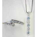 セットBOX アイスブルーダイヤモンド(直線タイプ)プラチナペンダントネックレス45cm&リング10号の詳細ページへ