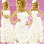 ロングドレス サテンフリルドレス 白の詳細ページへ