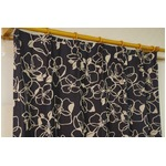 遮光カーテン 2枚組 100×225 ブラック 花柄 形状記憶 洗える アジャスターフック付き タッセル付き ダリルの詳細ページへ