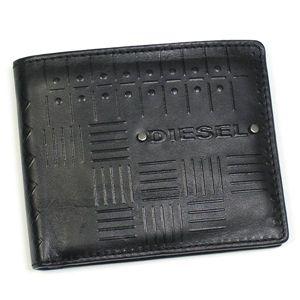 DIESEL(ディーゼル) 2つ折りカード入れ JEM-BOSS 00XN76 NEELA SMALL EMBOSS T8013 ブラック