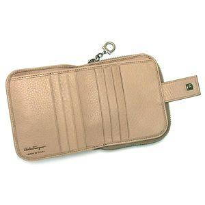 Ferragamo(フェラガモ) 二つ折り財布(小銭入れ付) GANCIO INLET VITELLO 22A981 433864 ライトピンク