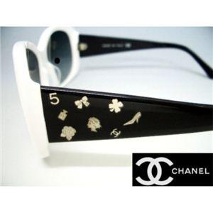 CHANEL(シャネル) サングラス CH5123A-106511 ホワイト×ブラック×シルバーチャーム