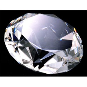 3000カラット ダイヤモンド型水晶