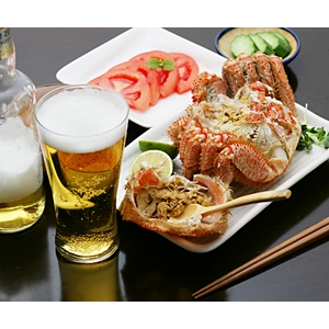 毛ガニ2尾 蟹ミソ(かにみそ)とビール
