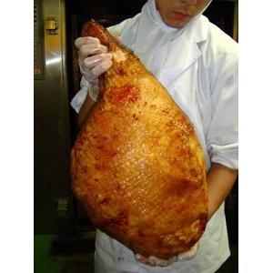 骨付きハム超デカデカ約7〜8kg