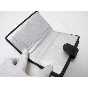 【現品限り】CHANEL(シャネル) シャネル カンボンライン 2つ折財布 ブラック/シルバー A50080 【新品同様】