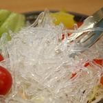 【お歳暮用 のし付き(名入れ不可)】 キラキラパリパリ 「海藻クリスタル」 サラダちゃん70g×20袋セット