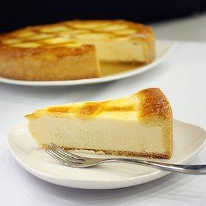 【チーズから手作り】トロイカ・オリジナル・ベークド・チーズケーキ・7号