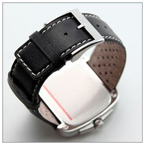 Gucci(グッチ) G-タイムレス コレクション クラシカルフェイスのビッグデイト・ウオッチ YA131302