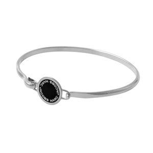 MARC JACOBS(マークジェイコブス)M0008542-068 Black/Argento ロゴ ディスク エナメル バングル ブレスレット Logo Disc Enamel Hinge Bracelet