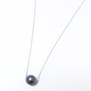 パール ネックレス 華真珠 K18 ホワイトゴールド 8mm 8ミリ珠 特殊カット技術 タヒチ真珠 ペンダント パール 真珠 40cm 長さ調節可能(アジャスター付き)