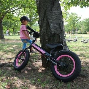 幼児用自転車/ペダル無し自転車 12インチ/ピンク 重さ4.7kg 専用スタンド付き 【HUMMER】 ハマー TRAINEE Bike